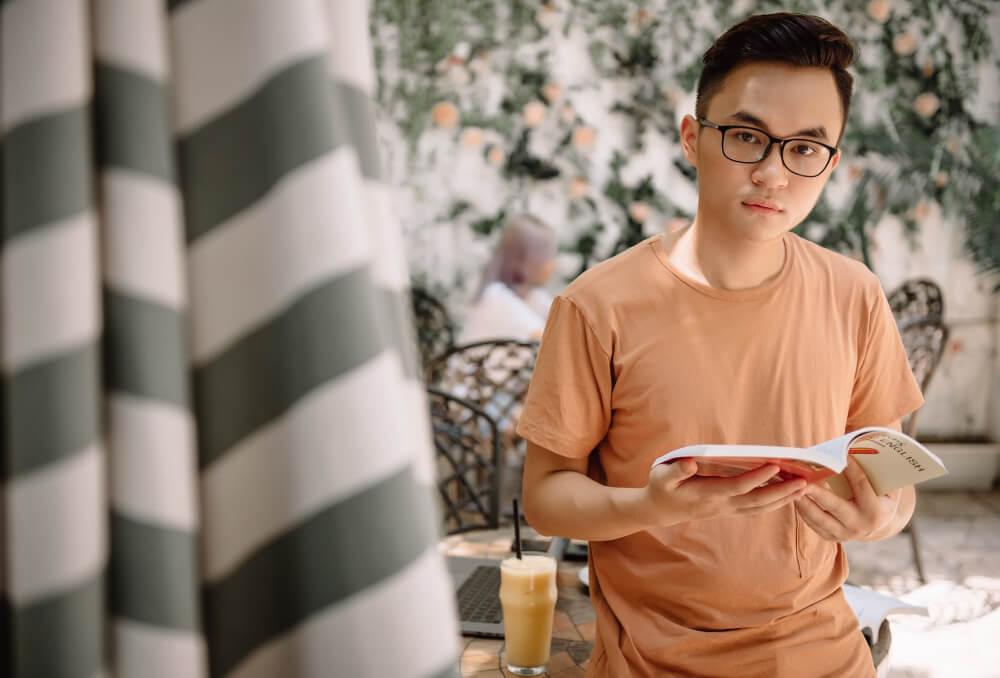 Thiện Nguyễn: Khóa học Smooth English - Phát âm tiếng Anh chuẩn như người bản xứ - Tự tin giao tiếp trong công việc & cuộc sống.