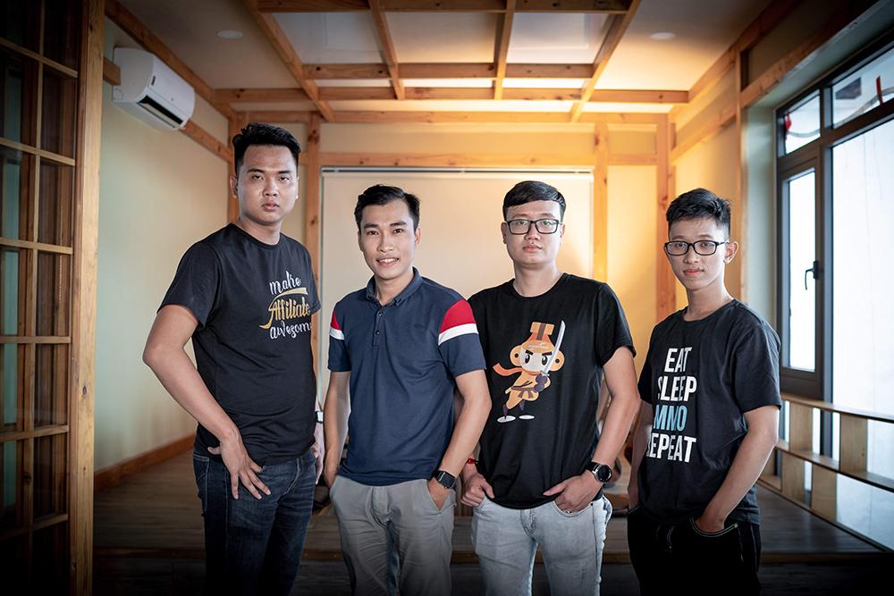 Tạo thu nhập với ngách Tài Chính - Đón đầu xu hướng làm affiliate marketing mạnh mẽ (Chatbot, Youtube, Website, Facebook Ads)